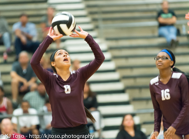 VOLLEYBALL: Highlands takes punch from Southside, regroups forwin